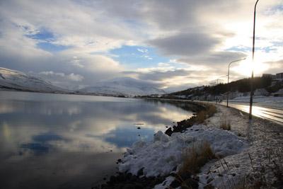 akureyri-fjord und road 1