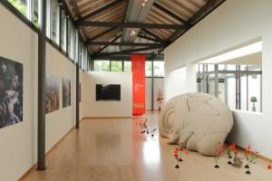 tanz&tod - orpheo inszenierung mit fotografien von corinna rosteck und kulissenfragmenten aus dem kasseler staatstheater